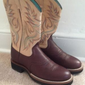 Woman's Ariat boots size 7.5